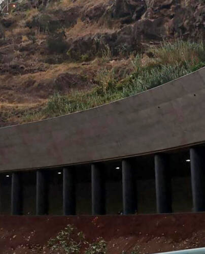 Tunnel routier à ciel ouvert, João Abel de Freitas